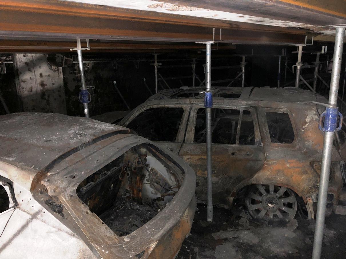Voiture brulées en sous-sol
